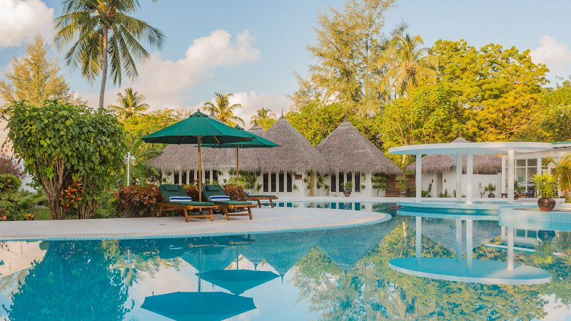 """Equator Village Maldives Wins """"Best Airport Hotel"""" for a Second Year Running at MATATO Travel Awards"""